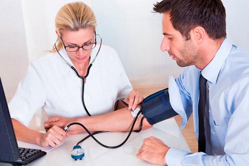 Пациент на приеме у кардиолога
