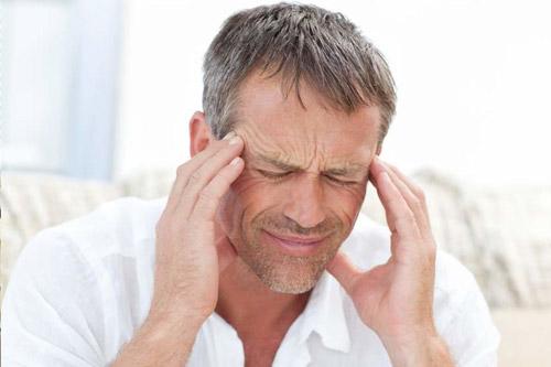 Боль в голове у мужчины
