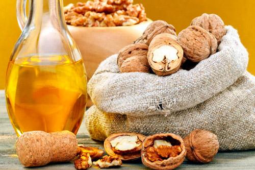 Грецкие орехи и масло