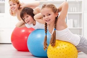 Физические нагрузки хорошо влияют на организм ребенка