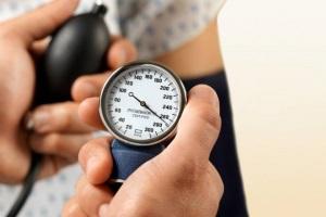 Измерение давления тонометром