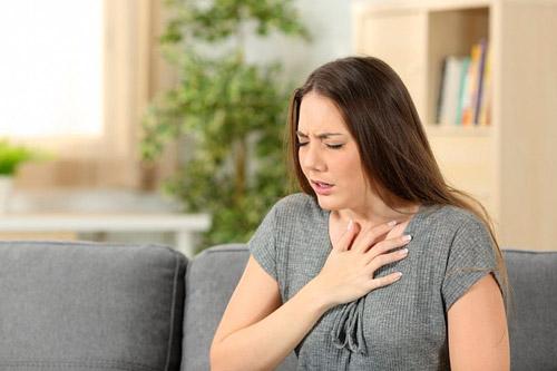 У женщины стенокардия