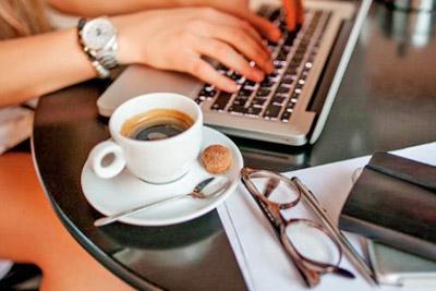 Кофе на столике