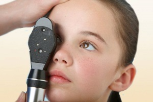 Обследование глаз ребенка