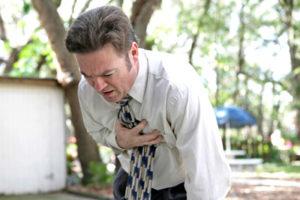Болит в области сердца: когда бить тревогу
