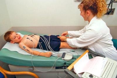 Проведение кардиограммы у ребенка